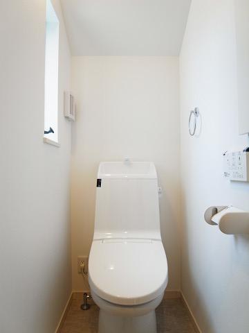 世田谷区梅丘1丁目2号棟 戸建 2階 トイレ