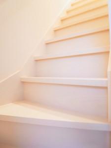 江東区三好 戸建て階段