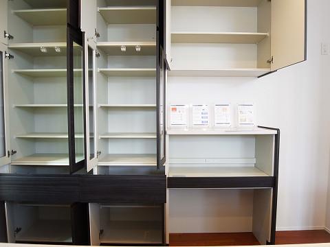 世田谷区弦巻2丁目 戸建 キッチン 食器棚