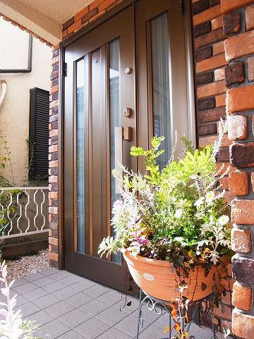目黒区柿の木坂2丁目 戸建て 玄関ドア