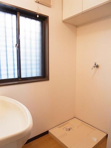 目黒区柿の木坂2丁目 戸建て 洗濯機置場