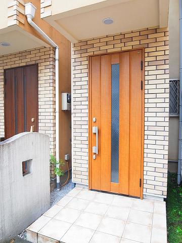 新宿区矢来町29丁目 戸建て 玄関