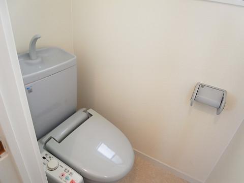 世田谷区下馬3丁目 戸建て 2階 トイレ