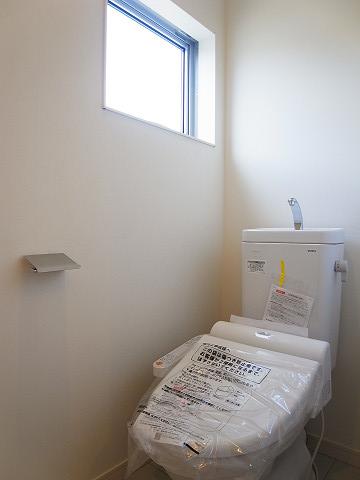 中野区上高田4丁目 戸建 トイレ