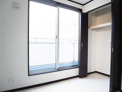 豊島区巣鴨4丁目 戸建 洋室2 収納