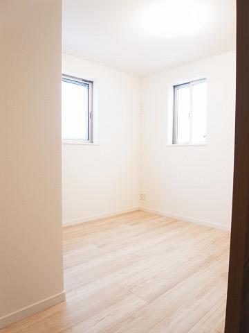 新宿区中落合4丁目 戸建 洋室1
