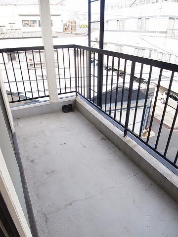 江東区北砂4丁目 テラスハウス 3階 洋室2  バルコニー