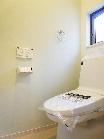 世田谷区上祖師谷2丁目1号棟 戸建 トイレ