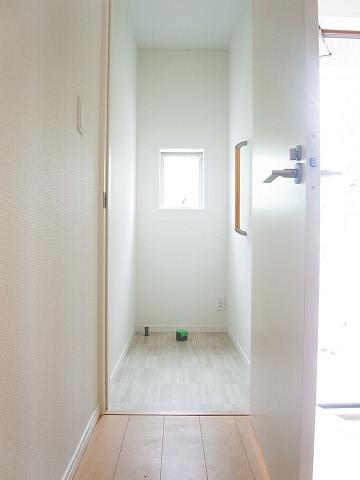 世田谷区船橋1丁目B号棟 戸建 トイレ