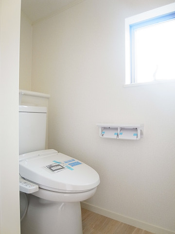 世田谷区船橋1丁目C号棟 戸建 トイレ
