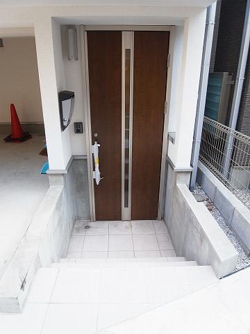品川区西大井5丁目B号棟 戸建 玄関