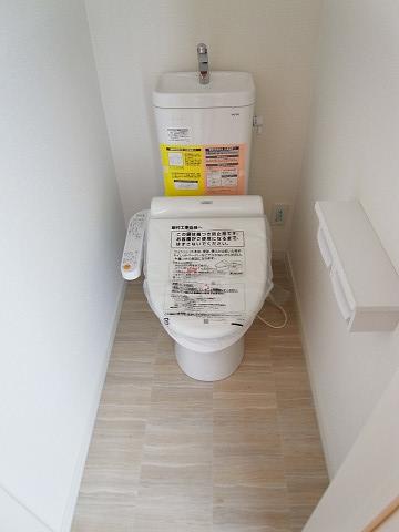 世田谷区砧1丁目D号棟 戸建 2階 トイレ