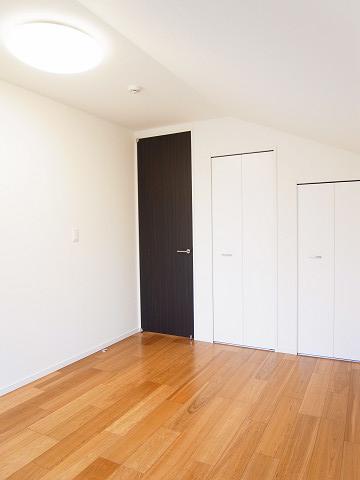 世田谷区瀬田5丁目B号棟 戸建 2階 洋室2 収納