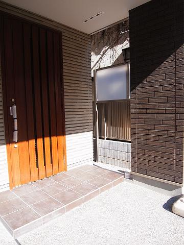 目黒区目黒4丁目B号棟 戸建 玄関