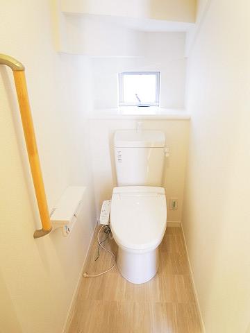 世田谷区船橋5丁目D号棟 戸建 トイレ