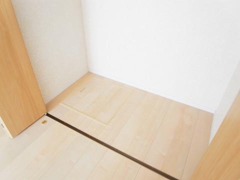 新宿区中井2丁目 2号棟 洋室2 収納