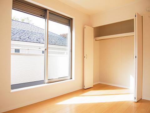 杉並区成田東2丁目1号棟 戸建  洋室2 収納
