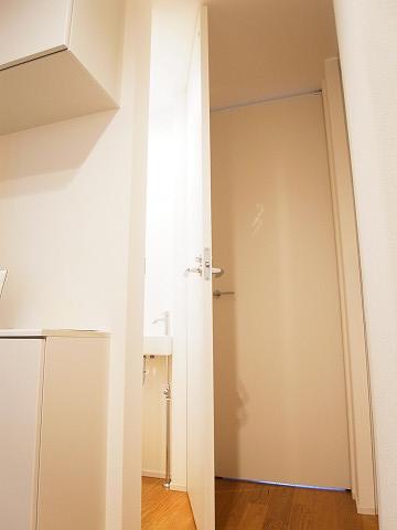 世田谷区等々力2丁目A号棟 戸建 トイレ1