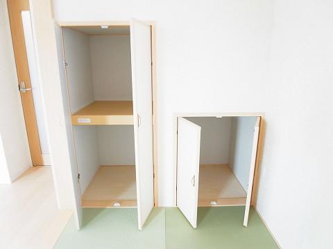 世田谷区千歳台2丁目1号棟 戸建 和室 収納