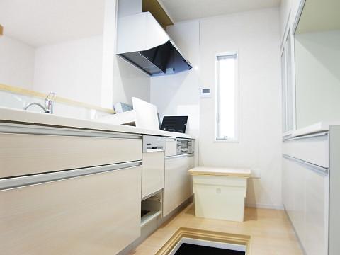 世田谷区千歳台2丁目1号棟 戸建 キッチン