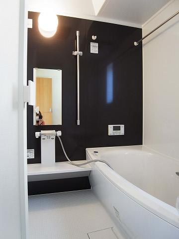世田谷区千歳台2丁目1号棟 戸建 バスルーム