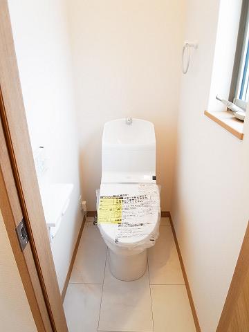世田谷区池尻4丁目 戸建 トイレ2