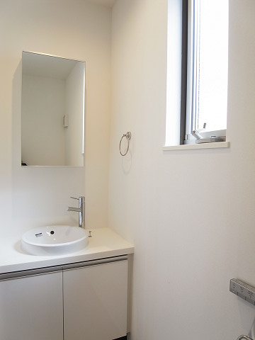 世田谷区弦巻1丁目B号棟 戸建 トイレ1 手洗い